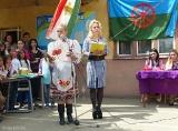 Концерт в ромской школе в Мукачево