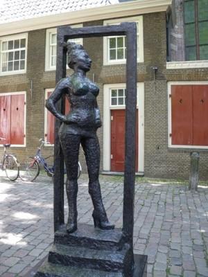Памятник проститутке. Амстердам